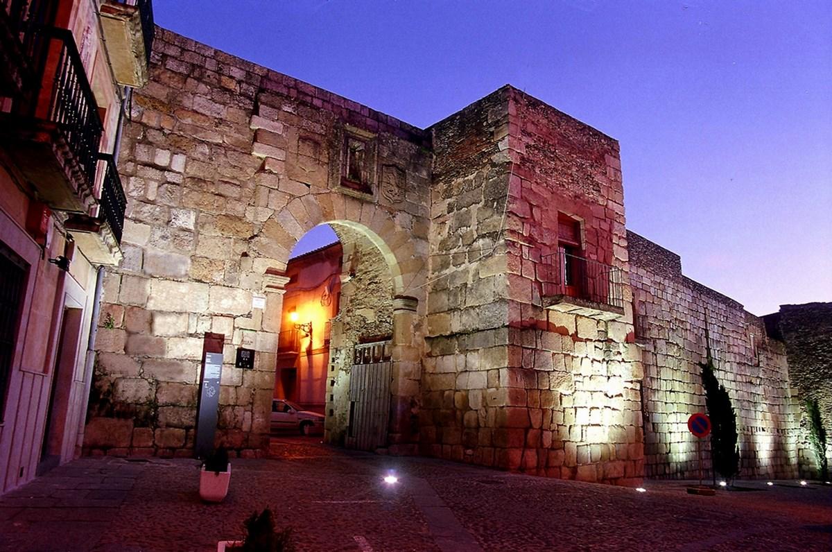 Muralla Romana de Coria - Festivales Boccherini