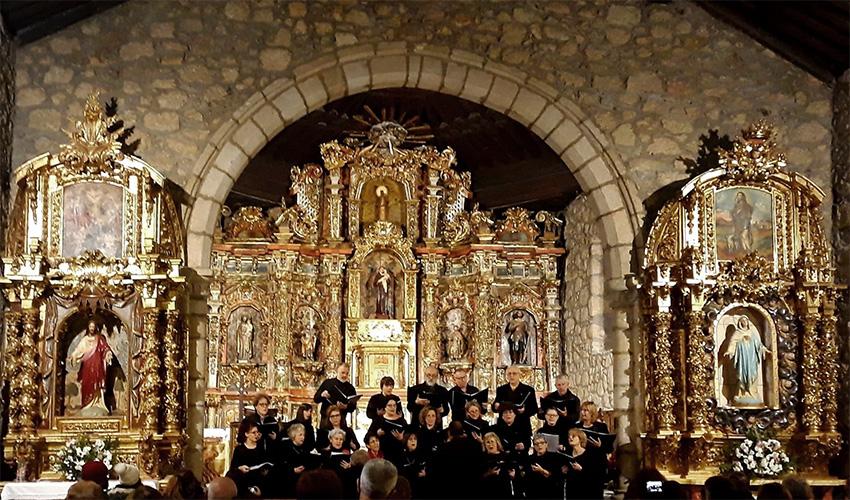 """Coro de la Escuela Municipal de Música """"Luigi Boccherini"""" de Arenas de San Pedro."""